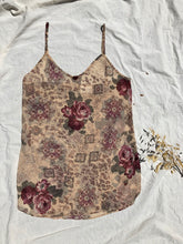 Load image into Gallery viewer, CHIFFON FLORAL SLIP