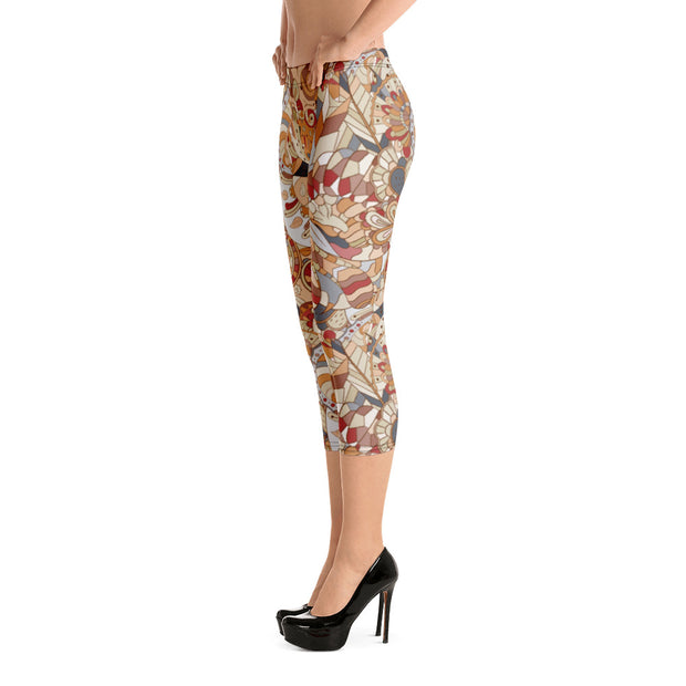 Tracery Brown Capri Leggings