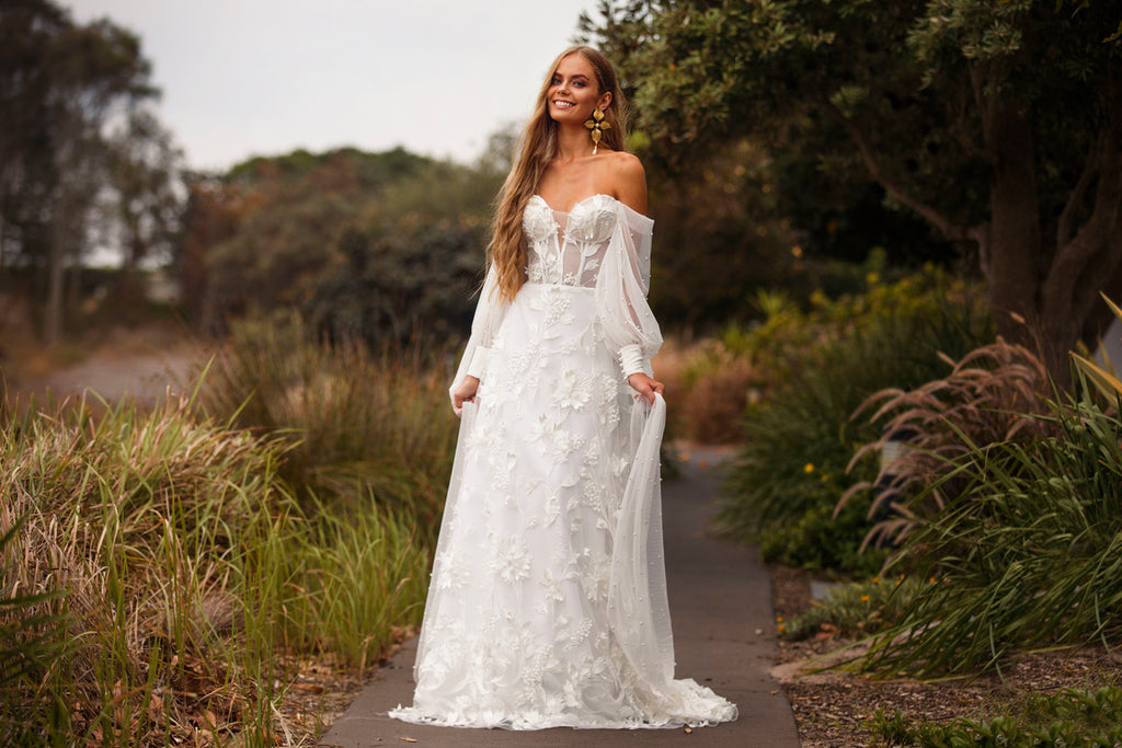 FREE DELIVERY AUSTRALIA WIDE ON ALL WEDDING GOWNS