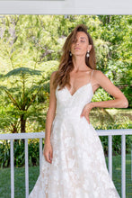 Load image into Gallery viewer, NINA-Lace Wedding Dress