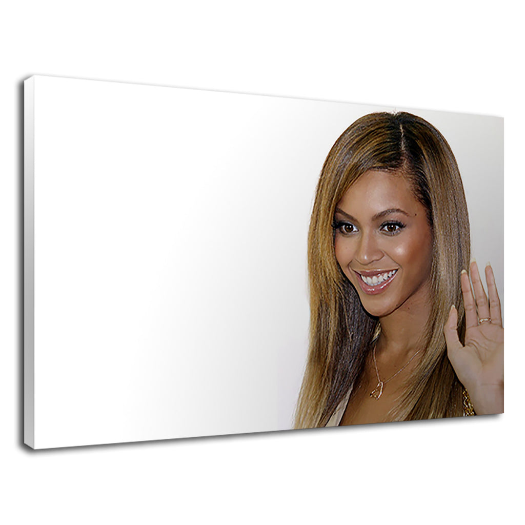 Smiling Beyonce The Beautiful American Singer