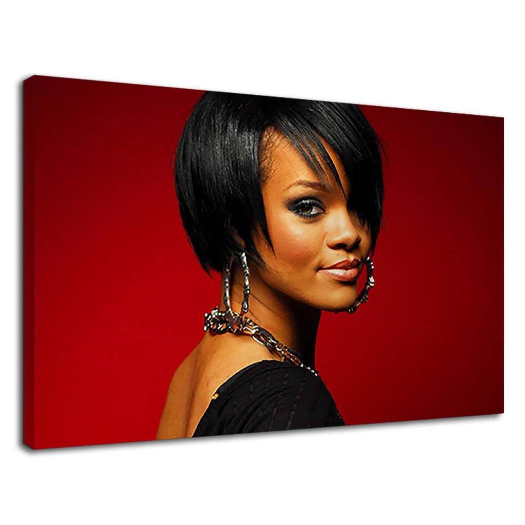 Rihanna Famous Musician Of Barbados On Short Hair