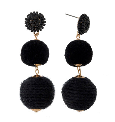 Pom pom earrings: Black