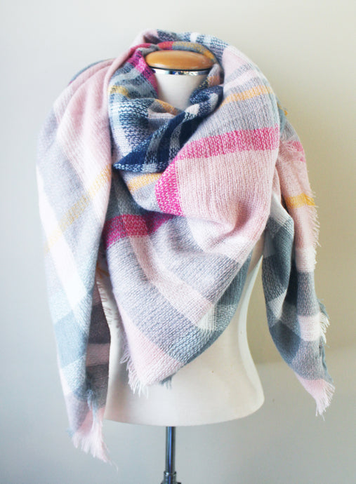 Blanket Scarf: Light Pink