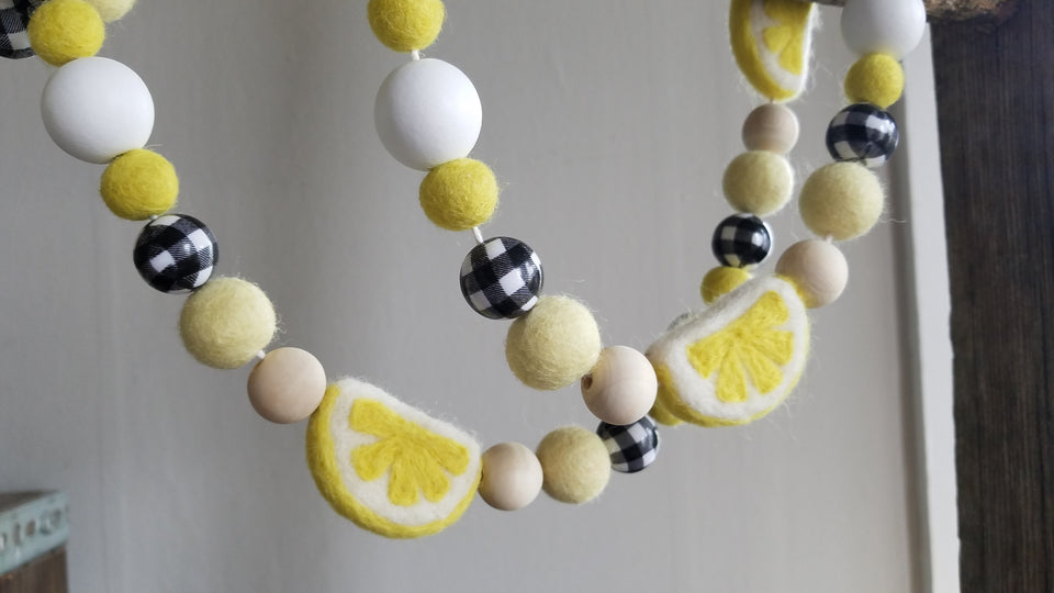 Lemon and buffalo check Garland.  4ft