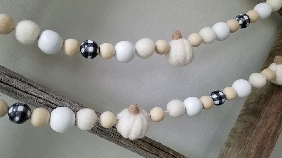 White pumpkin and plaid garland. 5ft
