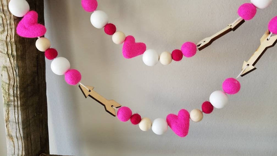 Heart and arrow Garland. Valentine garland. Felt heart Garland. 4.5ft