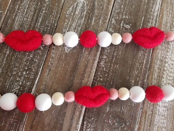 Red Lips Garland