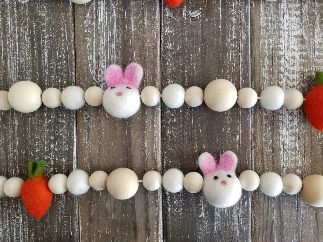 Easter Garland with Bunnies and Carrots