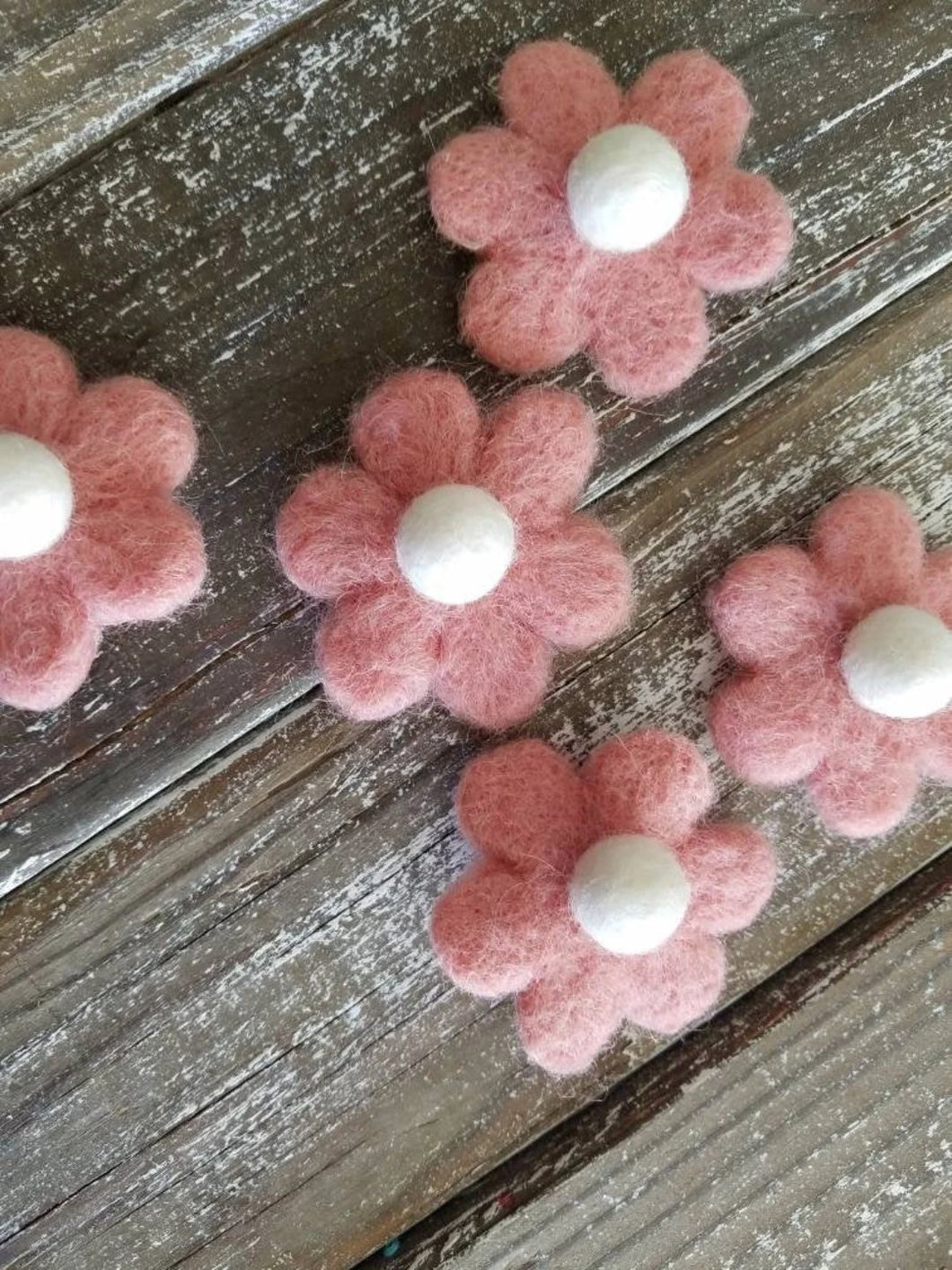 pink felted daisy