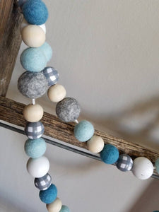 Blue and gray winter garland. Gray plaid garland. 5ft.