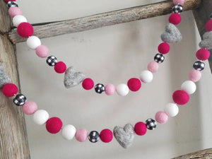 buffalo check grey heart garland