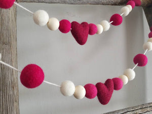 Pink heart garland. Fuchsia, maroon and white. Heart garland. Valentine. 5 ft.