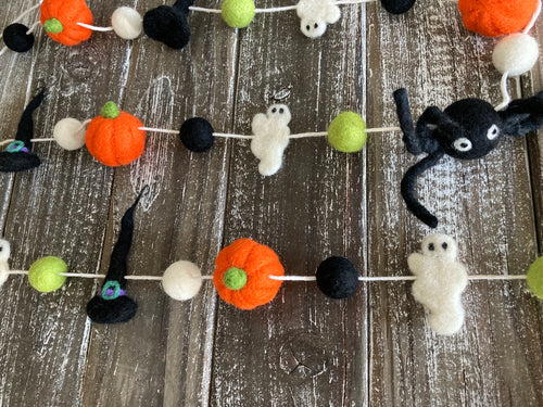 Halloween Garland. Ghost, witch, pumpkin and spider garland. 5.5ft