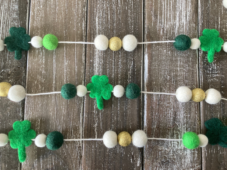 St. Patrick's day garland. Shamrock decor. Gold and green. 5ft