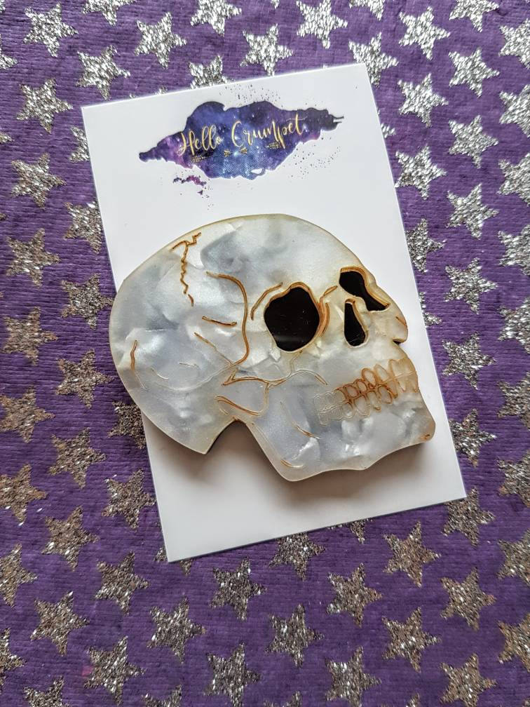 POOR YORICK Shakespeare Hamlet inspired acrylic skull brooch (version without banner)