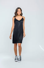 Satiny Slip | Black