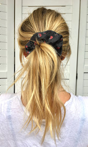 Scrunchie | Wild Raspberry