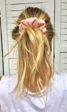 Load image into Gallery viewer, Scrunchie | Pastel Pink