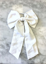 Hair Bow | White Linen