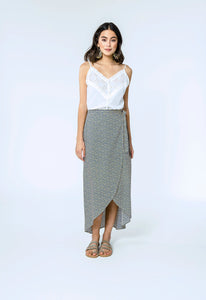 Mae Top & Alison Skirt- white dobby & yellow.blue daisy 1.jpg