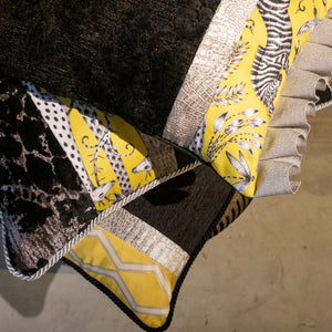 コラージュクッション Black&Silver Yellow Zebra  with Frill