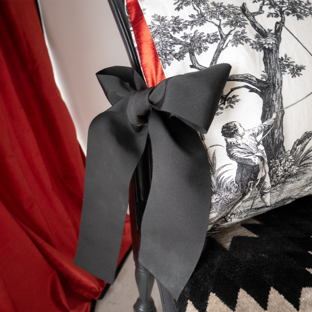 42cm角 コラージュクッション  Toile de Jouy with Ribbon #Black&Brick