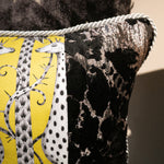 47×32cm角 コラージュクッション Black&Silver&Yellow Giraffe with Silver Rope
