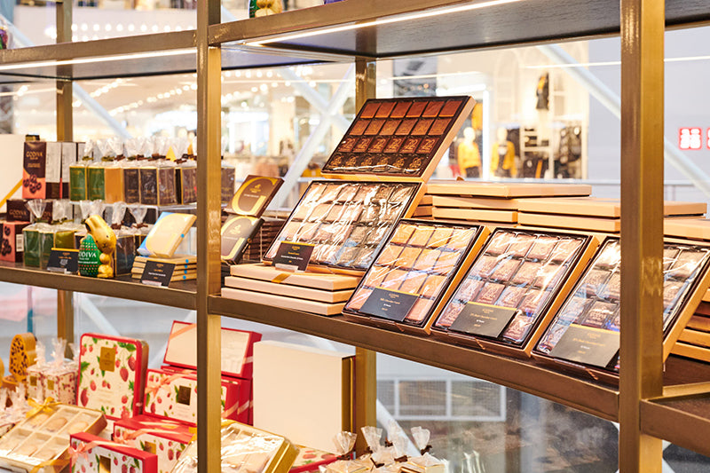 Godiva Chadstone stocks a range of chocolate gift boxes containing Belgium chocolate pralines, truffles, carres, biscuits, and cookies.