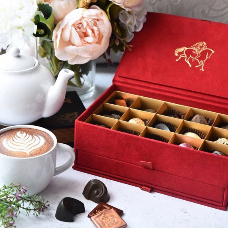 Royal Grand Place Gift Box, 30 Pieces