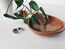 Load image into Gallery viewer, Terra Cotta Teardrop Ceramic Bowl