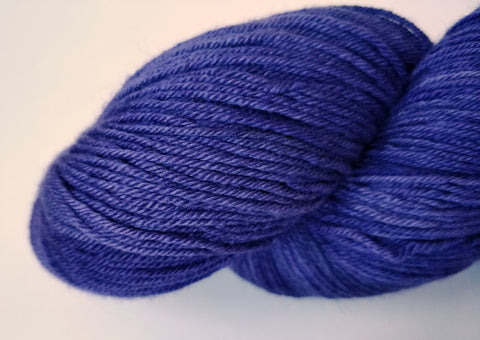 Lavendel sustainable merino fingering handfärgat garn