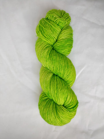 Grön single ply merino handfärgat garn