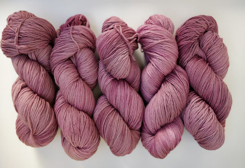 Dusty Pink sustainable merino fingering