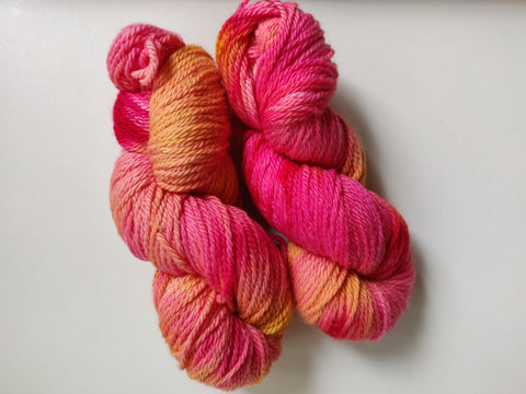 Rosa och gul sustainable merino Aran