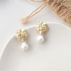 Gold and Pearl Earrings - hausofjan.com