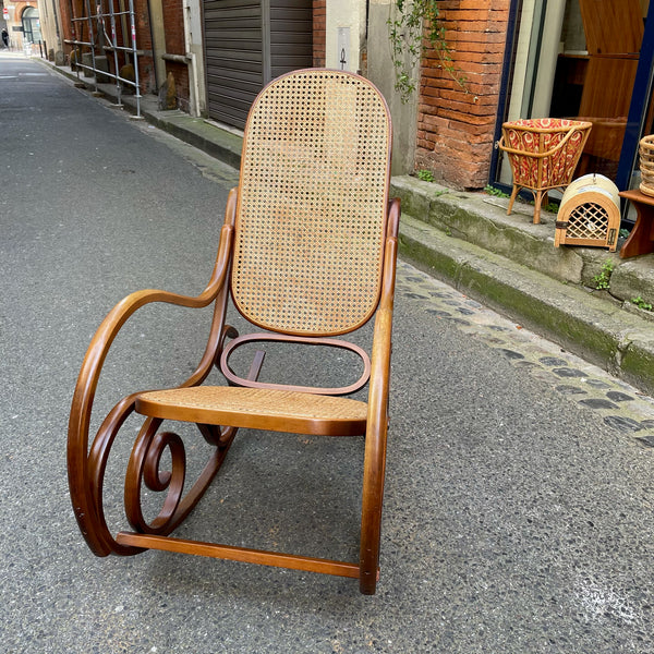 Rocking chair bois et cannage