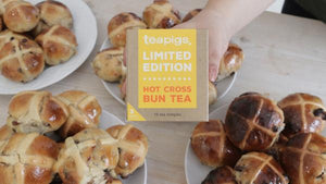 how to make vegan hot cross buns