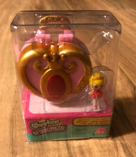 Load image into Gallery viewer, Shopkins Lil Secrets Locket