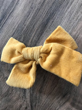 "Load image into Gallery viewer, 3 1/2"" Corduroy Hair Bows"