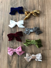 "Load image into Gallery viewer, 5"" Velvet Hair Bows"