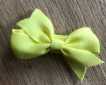 "Load image into Gallery viewer, 25 Boutique 2"" Pinwheel Hair Bows"