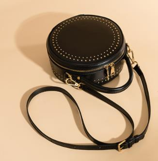 Pretty Rivet Round Bag