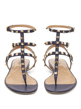 Load image into Gallery viewer, Rockstud flat leather sandals