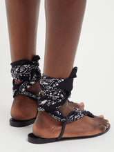 Load image into Gallery viewer, Dallas bandana-print wrap sandals