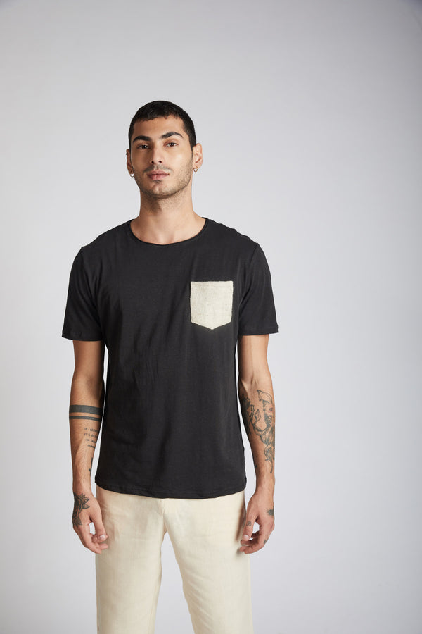 Mars Contrast Pocket T-Shirt- Black