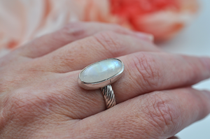 Flashy Oval Rainbow Moonstone Ring