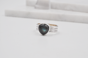 Triangle Labradorite Triple Band Sterling Silver Joia Ring
