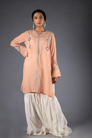Tea Pink Polka Dotted Kurta With Tribal Threadwork Embroidery