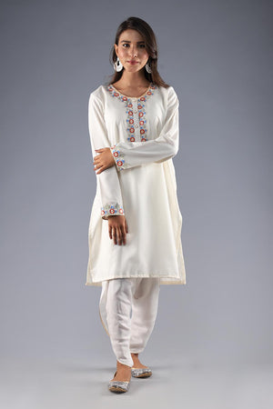 SELF CHECKERED PRINT KURTA WITH THREADWORK EMBROIDERY